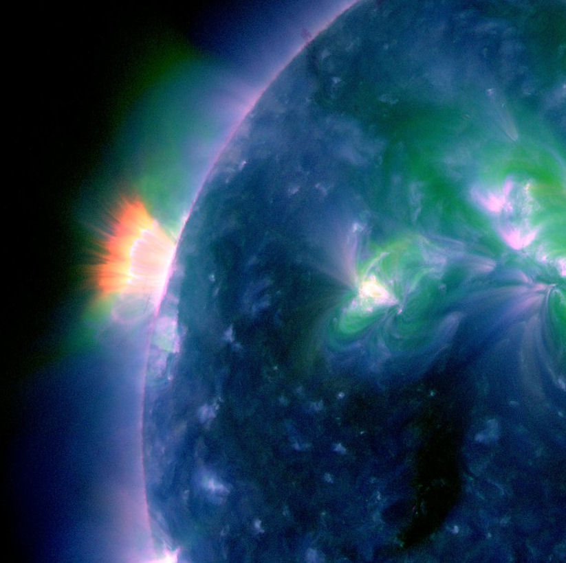 www.spaceweather.com/images2011/09may11/aftermath2.jpg