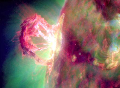 LLAMARADA SOLAR M-1.7 Spectacular_strip