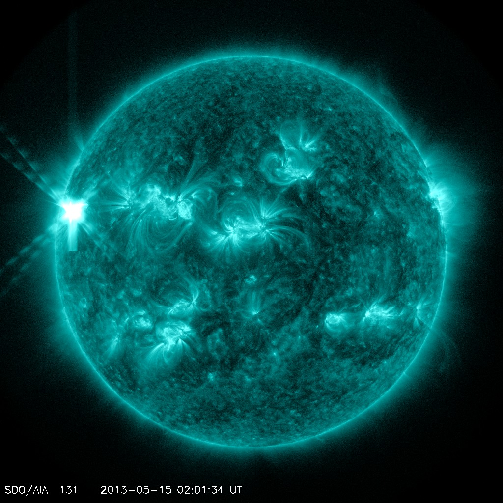 http://www.spaceweather.com/images2013/15may13/x1teal.jpg?PHPSESSID=nbhlocsn10mopmddjbo6115q10