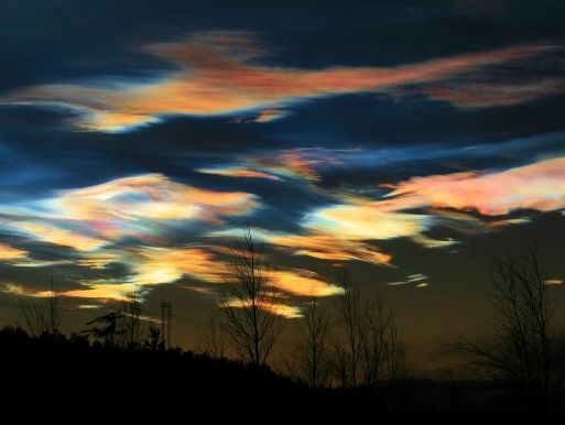 nacreous_strip.jpg