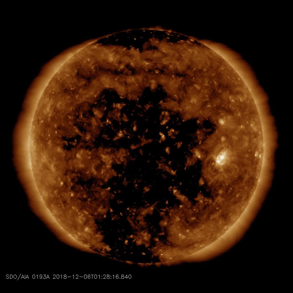 http://www.spaceweather.com/images2018/06dec18/coronalhole_sdo_blank.jpg?PHPSESSID=sc3vpep1n38i0km2foaj0bkrh1