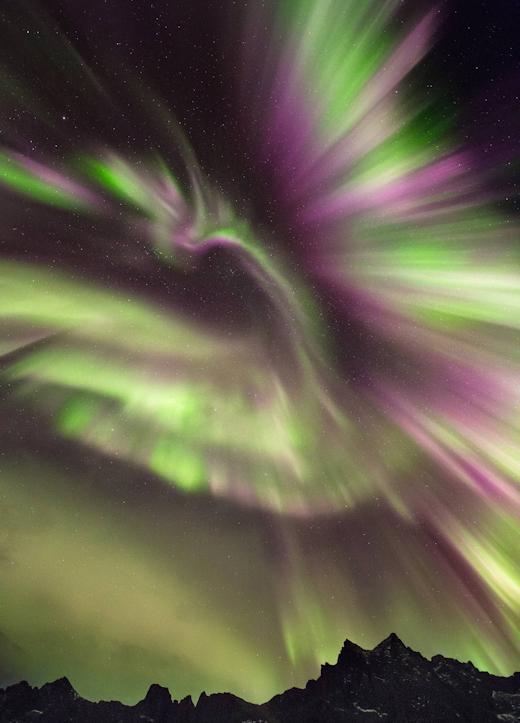 http://www.spaceweather.com/images2018/06dec18/phoenix_strip2.jpg