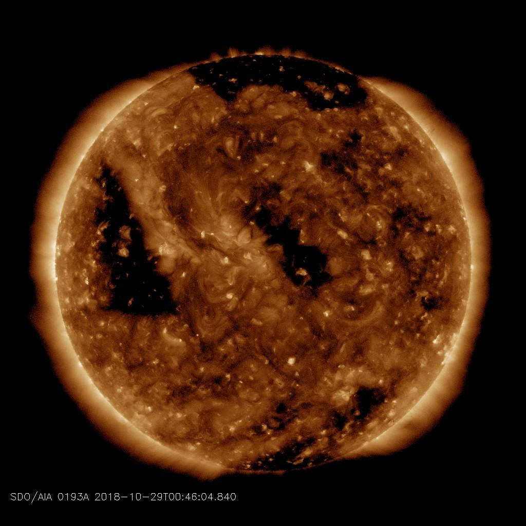 http://www.spaceweather.com/images2018/29oct18/coronalhole_sdo_blank.jpg?PHPSESSID=4vkm1gij05nadfjav7ak1g30h5