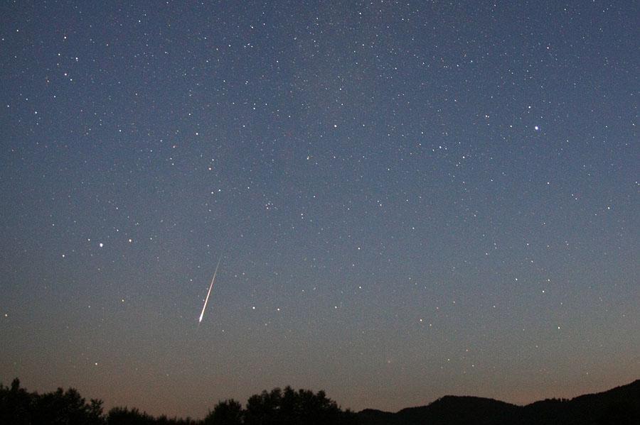 Maximum de la pluie d'étoiles filantes des Perséides le 12 août